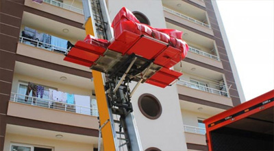 Asansörlü taşımacılık için uygun olan yapılarda mobil asansör kullanarak eşyalarınızı hem çok hızlı aynı zamanda zarar görmeden güvenli bir biçimde taşıyoruz.